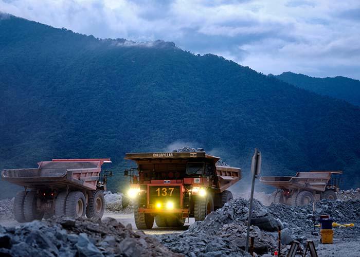 Trucks at night at the Ban Houayxai Operation